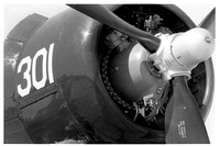 e1072.40 F4U Corsair starboard nose engine
