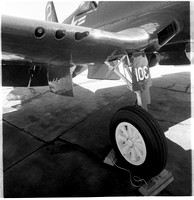 d1071.38a F4U Corsair, port side landing gear